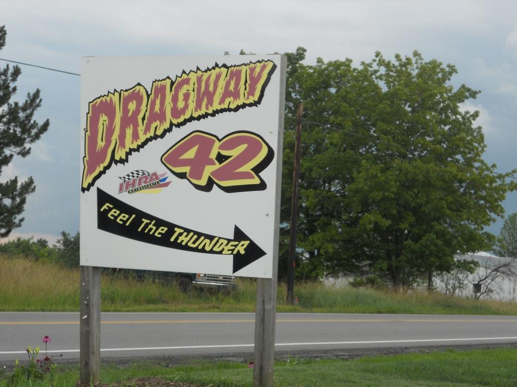1 dragway 42 sign